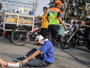 Banyak Kecelakaan, KAI Sosialisasi Tertib Lalu Lintas di Perlintasan Kereta Bukit Duri