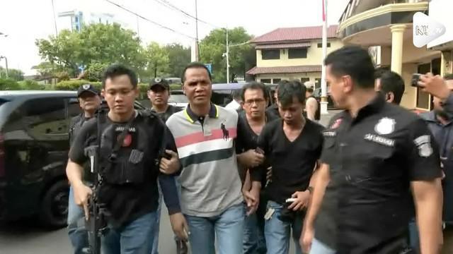 Kapolres Metro Jakarta Barat Kombes Hengki Haryadi menyampaikan, pihaknya meringkus Hercules Rosalio Marshal terkait penyerangan dan penguasaan lahan sekelompok preman terhadap karyawan PT Nila di Kalideres