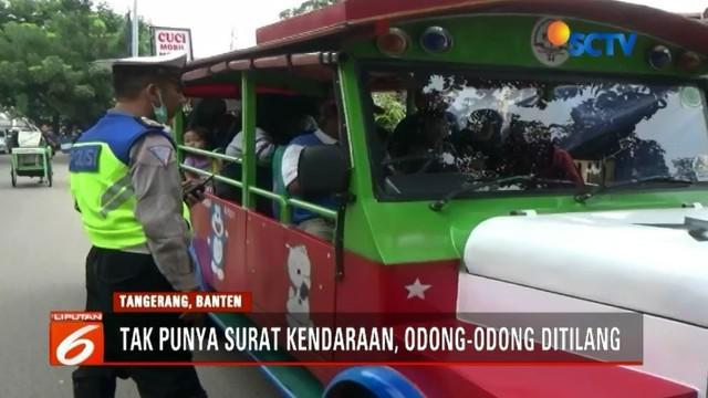 Petugas di Tangerang gelar operasi zebra. Dalam kesempatan tersebut, mulai dari pelajar, personel polisi, hingga kendaraan odong-odong ikut terjaring razia.