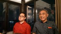 Ki-ka: Chief Brand Officer Smartfren Roberto Saputra dan VP Technology Relations and Special Project Smartfren Munir Syahda Prabowo. Liputan6.com/Agustin S.W.
