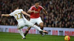Anthony Martial melakukan lari tercepatnya itu saat Manchester United ditahan imbang oleh Newcastle di Stadion St James Park beberapa waktu lalu. (AFP/Oli Scarff)