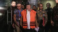 KPK Tahan Bupati Lampung Selatan Zainudin Hasan di Rutan Jaktim. (Liputan6.com/Faizal Fanani)