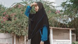 Kecantikan Lindswell saat mengenakan hijab begitu terpancar. Banyak warganet pula yang memuji kecantikan Lindswell setelah mengenakan hijab. (Liputan6.com/IG/@lindswell_k)