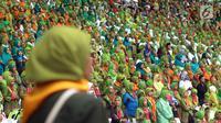 Ribuan muslimat menghadiri Harlah ke-73Muslimat NU di Stadion Utama GBK, Jakarta, Minggu(27/1). Muslimat NUtelah mendeklarasikan anti-hoaks, fitnah, dan ghibah.(Liputan6.com/Johan Tallo)