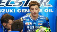 Pebalap Suzuki, Andrea Iannone, belum tampil kompetitif pada MotoGP 2017 karena motor GSX-RR masih memiliki banyak masalah. (Crash)