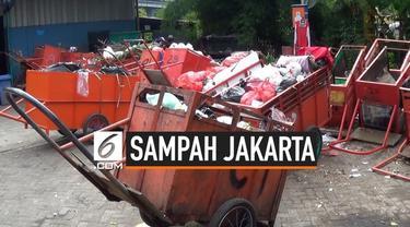 Wali Kota Surabaya Tri Rismaharini menyatakan siap membantu mengelola sampah Jakarta. Menurunya Pemprv DKI Jakarta memiliki anggaran pengelolaan sampah yang besar dan itu bisa digunakan dalam pengelolaan sampah di Jakarta.