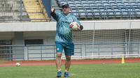 Pelatih Persib Bandung Robert Rene Ablerts. (Liputan6.com/Huyogo Simbolon)
