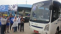Dirjen Perhubungan Darat, Budi Setiadi Secara Simbolis Melepas Keberangkatan 2.120 Pemudik Gratis dari Terminal Pulogebang, Jakarta Timur, Sabtu (21/12/2019). (Foto: Nanda Perdana Putra/Liputan6.com).