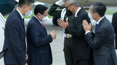 Perdana Menteri (PM) Vietnam Phạm Minh Chính tiba di Bandara Internasional Soekarno-Hatta, Tangerang, Banten, Jumat (23/4/2021), sekitar pukul 10.45 WIB dengan menggunakan pesawat Vietnam Airlines.