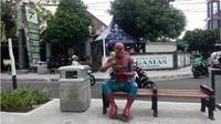 Ada patung Spiderman dan Hulk yang bikin heboh warga Yogyakarta. (Liputan6.com/Yanuar H)