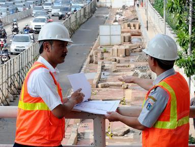 Babak baru pembangunan Mass Rapid Transit Jakarta akan segera dimulai Juni 2014 mendatang, (28/5/2014). (Liputan6.com/Andrian M Tunay)