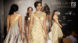 Finalis Kepulauan Riau, Arneta D. T. saat sesi perkenalan dalam gelaran Welcome Dinner & Grand Press Conference Miss Grand Indonesia 2018 di Jakarta, Rabu (11/7). Sebanyak 30 finalis Miss Grand Indonesia resmi diperkenalkan. (Liputan6.com/Faizal Fanani)