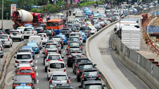 Mana Cara Yang Ampuh Untuk Mengatasi Kemacetan Otomotif Liputan6 Com