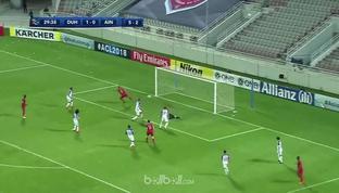 Al Duhail melaju ke perempat final Liga Champions Asia setelah mengalahkan Al Ain 4-1 di leg kedua. Gol bunuh diri Mohamed Ahman m...
