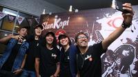 Bukan tanpa alasan, bisnis kopi yang dipilih Slank tak lain lantaran kopi merupakan hal yang paling dekat dengan mereka selama terbentuk hampir 34 tahun. (Nurwahyunan/Bintang.com)