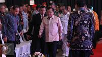 Wakil Presiden Jusuf Kalla tiba menghadiri pembukaan pameran Indo Defence 2016 Expo & Forum di JIExpo Kemayoran, Jakarta, Rabu (2/11). Indo Defence 2016 Expo & Forum diselenggarakan dari tanggal 2-5 November 2016. (Liputan6.com/Faizal Fanani)