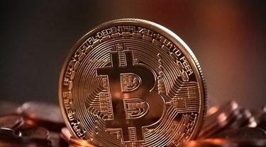 Bitcoin - Image by MichaelWuensch from Pixabay