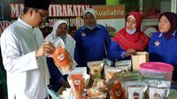 Wakil Gubernur Jawa Timur Saifullah Yusuf menyapa warga eks lokalisasi Dolly dan Jarak, Rabu (24/1/2018).