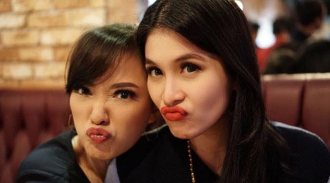 Yuanita Christiani dan Sandra Dewi  (Instagram/@yuanitachrist)