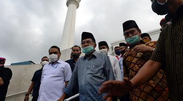Jusuf Kalla menyambangi Masjid Agung Al Azhar, Jakarta Selatan, Rabu (3/6/2020). (foto: istimewa)