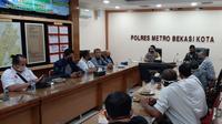 Kepolisian dan pimpinan serikat pekerja di Bekasi gelar rapat terkait rencana unjuk rasa May Day. (Istimewa)