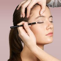 Ilustrasi eyeliner/copyright shutterstock