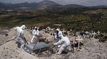 FOTO: Penampakan Makam Korban Corona di Berbagai Negara