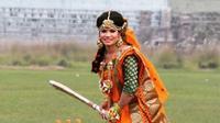 Sanjida Islam, pemain kriket Bangladesh yang ramai dibicarakan usai mengunggah foto jelang pernikahan dengan mengenakan busan tradisional (Dok.Instagram/@mistycricketer_10/https://www.instagram.com/p/CGkLjifHlIO/Komarudin)