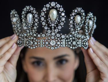FOTO: Ragam Perhiasan Jutaan Dolar Akan Dilelang di Swiss