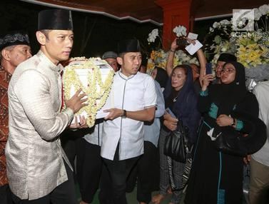 Tiba di Puri Cikeas Jenazah Ani Yudhoyono Disemayamkan