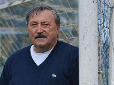 Antonin Panenka dilahirkan pada 2 Desember 1948 di Praha, Cekoslowakia. Karier sepak bolanya dihabiskan bersama klub Bohemians Praha dan Rapid Wiens pada medio 1960-an hingga 1980-an. (AFP/Michal Cizek)