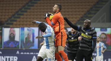 Foto Liga Italia: Penalti Lukaku Bawa Inter Taklukkan Napoli