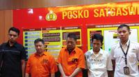 Pemilik toko emas bogor di Makassar tersangka dalam kasus penambangan emas ilegal sekaligus diduga terlibat dalam kasus dugaan pemalsuan surat otentik (Liputan6.com/ Eka Hakim)