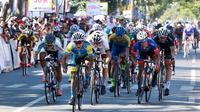 Kompetisi balap sepeda International Tour de Banyuwangi Ijen digelar pada 25-28 September 2019.