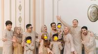 Momen Artis Kumpul Bareng Keluarga Besar. (Sumber: Instagram.com/cutratumeyriska)