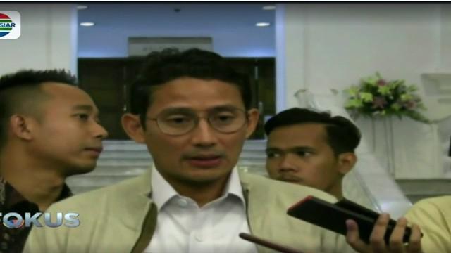 Sandiaga Uno juga meminta kepada petugas Pemprov DKI Jakarta untuk bertindak cepat dan tanggap dalam mengatasi banjir di Jakarta.