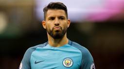 1. Sergio Aguero (Manchester City) - 19 Gol (2 Penalti). (EPA/Peter Powell)