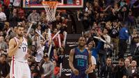 Pelatih Toronto Raptors, Dwane Casey, memuji penampilan agresif timnya di kuater keempat sebagai kunci mengalahkan Charlotte Hornets 104-94.