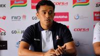 Bek Madura United, Beny Wahyudi, batal bereuni dengan Arema karena sakit. (Bola.com/Iwan Setiawan)