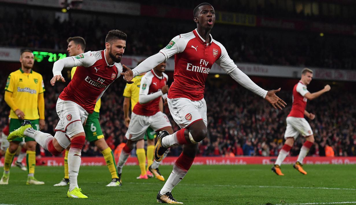 Kontrak Eddie Nketiah tercatat akan habis pada 30 Juni 2022. Pemain jebolan akademi Arsenal tersebut telah tampil sebanyak 66 kali penampilan dengan koleksi 14 gol. Nketiah kemungkinan besar akan dipertahankan oleh The Gunners karena striker utamanya sudah memasuki usia tua. (AFP/Ben Stansall)