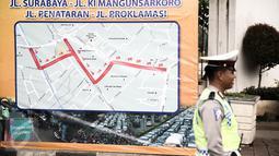 Peta saat ujicoba rekayasa lalu-lintas di Jalan Tugu Proklamasi, Jakarta, Senin (23/5/2016). Rekayasa dilakukan mengingat banyak pelanggaran lawan arus di lokasi karena imbas kemacetan di Jl Diponegoro arah RSCM. (Liputan6.com/Faizal Fanani)