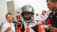 Pebalap Astra Honda Racing Team, Mario Suryo Aji (7), finis kedua pada balapan pertama seri pembuka Asia Talent Cup 2018 di Sirkuit Losail, Qatar. (Astra Honda Racing Team)