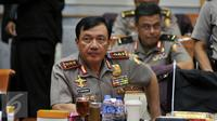 Wakapolri Komjen Pol Budi Gunawan berbincang sebelum Rapat Kerja dengan Komisi III DPR RI, di Kompleks Parlemen, Jakarta, Rabu (20/4). Salah satunya membahas kematian Siyono. (Liputan6.com/JohanTallo)
