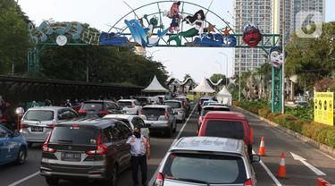FOTO: Libur Panjang, Sejumlah Kendaraan Antre Masuk Kawasan Ancol
