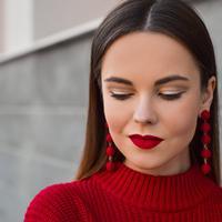Tak semua rona lipstik cocok di segala warna kulit, temukan rona yang tepat di sini. (Foto: Unsplash)