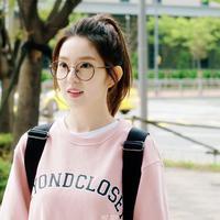 Sudah tak perlu diragukan lagi kepopuleran dari Irene Red Velvet. Idol kelahiran 29 Maret 1991 ini kerap disebut-sebut sebagai visual dari Red Velvet. (Foto: soompi.com)