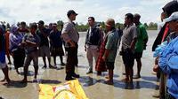 Sudah 10 jasad mengambang diduga Tenaga Kerja Indonesia (TKI) ditemukan di perbatasan Riau dengan Malaysia, tepatnya di perairan Selat Malaka. (Liputan6.com/ M Syukur).