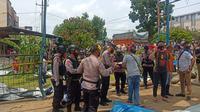 Tim Jibom dari Satuan Brimob Kepolisian Daerah Sumatera Utara (Polda Sumut) turun langsung ke lokasi ledakan.