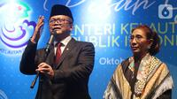 Edhy Prabowo disaksikan Susi Pudjiastuti (kanan) menyampaikan sambutan pada acara serah terima jabatan (Sertijab) Menteri Kelautan dan Perikanan di Kantor KKP, Jakarta, Rabu (23/10/2019). Edhy menggantikan Susi Pudjiastuti pada Kabinet Indonesia Maju periode 2019-2024. (Liputan6.com/Herman Zakharia)