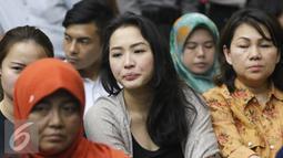 Sandy Salihin, kembaran Wayan Mirna Salihin saat menghadiri sidang lanjutan kasus kopi beracun di PN Jakarta Pusat, Rabu (3/8). Kasus dengan terdakwa Jessica Kumala Wongso tersebut memasuki sidang kesembilan. (Liputan6.com/Immanuel Antonius)